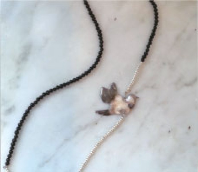 Bird motif necklace